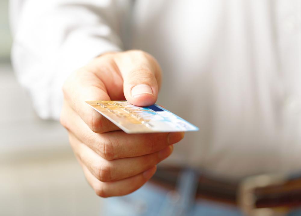 Кредит для поддержания жизни, или стоит ли оформлять кредитку