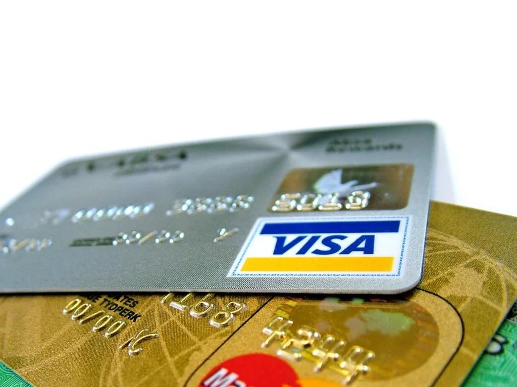 Как пользоваться кредитной картой банка