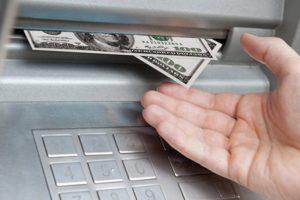 Как снять с кредитной карты